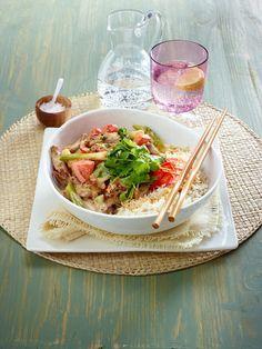 Schnelles Mittagessen: 17 Rezepte unter 30 Minuten - Rindergeschnetzeltes mit Paprika in Erdnusssoße