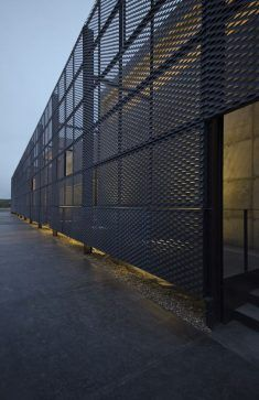 Visitor Reception Center Atapuerca, Burgos / Spain on Inspirationde Metal Facade, Metal Cladding, Metal Screen, Factory Architecture, Facade Architecture, Building Facade, Building Design, Garage Design, Exterior Design
