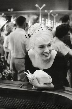 1,000 件以上の 「Marylin Monroe」のおしゃれアイデアまとめ|Pinterest の画像 | マリリン・モンロー、ミルトン・グリーン、ノーマ・ジーン