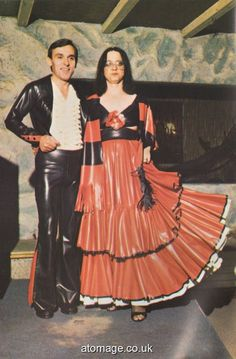 Atomage Pictures A5 Edition 32 Latex Fashion, Rain Wear, Dress Skirt, Appreciation, A5, How To Wear, Clothes, Vintage, Pictures