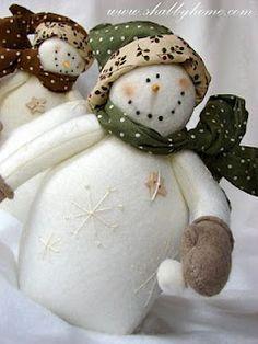 *SNOWMEN ~ beautiful felt snowmen