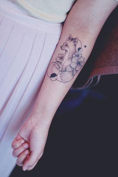 Je vous ai déjà parlé de cette tatoueuse qui exerce sont talent en Corée du sud : Seoeon J'adore le style de tattoos qu'elle propose, c'est très minimaliste avec un côté girly très assumé. Elle a publié de nouvelles réalisations sur son compte Instagram, alors je partage tout ça avec vou…