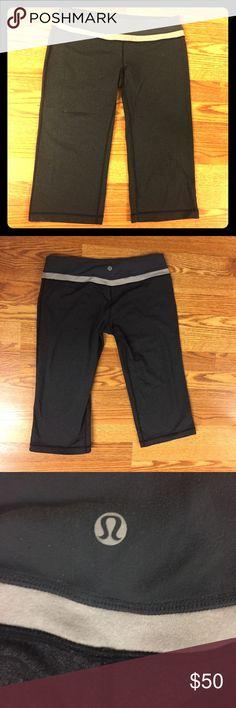 Lululemon Athletica Grey Cropped Pants EUC Size 8 Low rise, grey, size 8 EUC lululemon athletica Pants Track Pants & Joggers