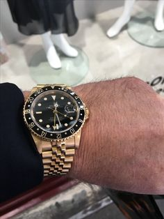 GMT ROLEX gold jubilee Rolex Gmt Gold, Rolex Gmt Master, Famous Brands, Pilots, Rolex Watches, Jewels, Style, Fashion, Weapons Guns