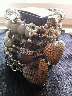 div. Armbänder