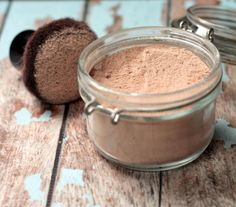 All-natural, homemade foundation powder. All ingredients found in your kitchen.  arrowroot flour/starch –similar to corn starch Good-quality cocoa powder or cacao powder ground cinnamon ground nutmeg ground ginger bentonite clay vitamin e  lavender essential oil