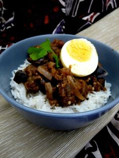 Brinjal Curry - Food like Amma used to make it South African Recipes, Indian Food Recipes, Ethnic Recipes, Jamaican Recipes, Curry Recipes, Curry Food, Dutch Oven Recipes, Hand Pies, Oreo