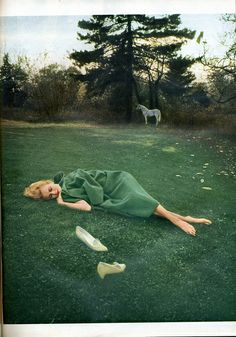Bert Stern was most famed for his photographs of Marilyn Monroe, but some of his fashion photography is amongst my most favourite imagery of all time. Love this green on green, from a 1967 shoot Art Photography, Fashion Photography, Bert Stern, Paolo Roversi, Tim Walker, Norma Jeane, Slytherin, Shades Of Green, Photoshoot