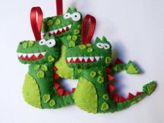 Drac Homemade Ornaments, Homemade Crafts, Felt Ornaments, Felt Diy, Felt Crafts, Christmas Holidays, Christmas Crafts, Christmas Ornaments, Saint George And The Dragon