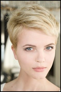 pixie short hi lighted hair