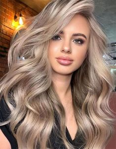 Amazing Beige Blonde Hair Color Trends for Women 2020 Cheveux Beiges, Blonde Hair Looks, Blonde Long Hair, Makeup With Blonde Hair, Long Bronde Hair, Blonde Hair For Fall, Ginger Blonde Hair, Edgy Long Hair, Perfect Blonde Hair
