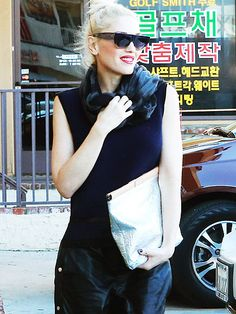Star Tracks: Monday, November 10, 2014 | IN STYLE | Gwen Stefani rocks her signature tomboy look as she makes her way out of an acupuncture studio in L.A. on Friday.