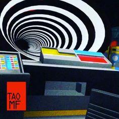 Time travel with Mr Fantastic.  3 #timetravel #timetraveling #timetraveler #photography #love #time #blueskies #traveling #piedish #mountains #rubbertrampin #october2016 #lifeisstrange #travelphotography #train #tardis #strange #steampunk #soul #sky #rewind #retro #railroadtracks #pink #oregon #openroad #memories #maxandchloe #max #life Powered by @TagOmatic