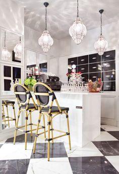 25 Remarkable Interior Design Inspirations You Can Get From Casa Decor 2017 Luxury Interior Design, Interior Design Kitchen, Interior Design Inspiration, Kitchen Decor, Yellow Home Decor, Yellow Interior, Pantone, Contemporary Home Furniture, Contemporary Decor