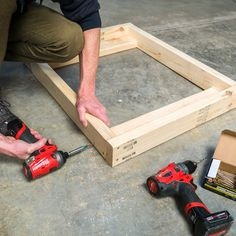 Saturday Morning Workshop: Folding Mobile Workbench Build this handy mobile workbench that folds up to only 7 in. Building A Workbench, Portable Workbench, Mobile Workbench, Folding Workbench, Workbench Plans, Garage Workbench, Woodworking Patterns, Woodworking Projects Diy, Woodworking Shop