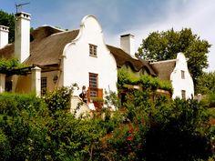 cape dutch houses - Google Search Cape Dutch, Dutch House, Spanish Style Homes, South Africa, Cottage, Exterior, Mansions, Landscape, Architecture