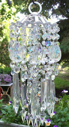 Most Romantic Jeweled Vintage Crystal Wind Chime by sheriscrystals Crystal Wind Chimes, Diy Wind Chimes, Mobiles, Los Dreamcatchers, Style Deco, Fancy, Suncatchers, Yard Art, Glass Art
