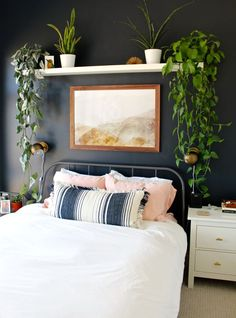Bedroom decor: simple accent wall, black paint, shelf plants and art.Bedroom decor: simple accent wall, black paint, shelf plants and art.Home Wall Ideas Small Master Bedroom, Master Bedroom Design, Home Bedroom, Modern Bedroom, Bedroom Black, Stylish Bedroom, Bedroom Ideas, Bedroom Pictures, Dark Bedroom Walls