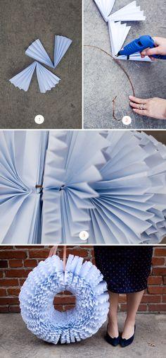 DIY Accordion Paper Wreath   Julep