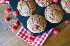 Healthified banana muffins with peanut butter and raspberries