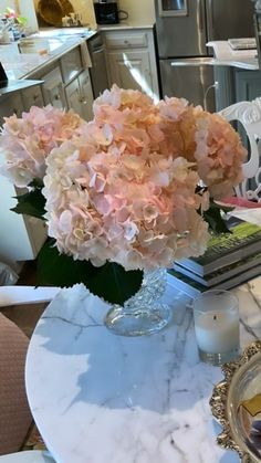 Vanity Table Set, Seasons Of The Year, Aesthetic Bedroom, Sweet Home, Table Decorations, Interior Design, Floral, Dressing Table, Fashion Design
