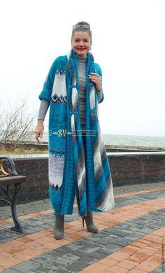 Верхняя одежда ручной работы. Вязаное пальто