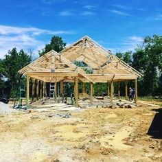 """How We Built House From Scratch in 30 Days - Homesteading - The Homestead Survival .Com """"Please Share This Pin"""" Homestead Survival, Survival Tips, Survival Skills, Build Your Own House, Living Off The Land, New House Plans, Homesteading, Beautiful Homes, Building A House"""