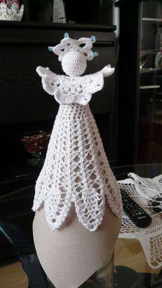 Christmas Tree Ornaments, Christmas Decorations, Xmas, Diy Crochet, Crochet Doilies, Crochet Angels, Christmas Crochet Patterns, Table Centerpieces, Plant Hanger