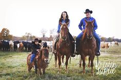 LOVE this family pic!! Can't wait to have horses at the house .... I miss them
