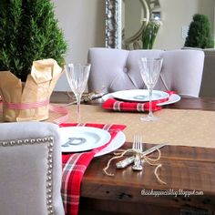 this is happiness: casual christmas table