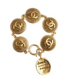 Chanel Paris logo coin bracelet Chanel Vintage - lindelepalais.com