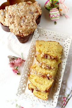 l'impasto su un piano infarinato e dividetelo in du Croissants, Italian Cake, Cata, Biscotti, Cake Cookies, Yummy Cakes, Italian Recipes, Easter Eggs, Cheesecake