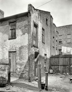 "Richmond, Virginia, circa 1930. ""Edgar Allan Poe's mother's house."""