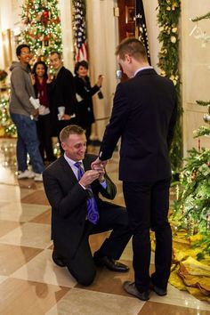 Active duty Marine officer proposes to partner at White House reception – LGBTQ Nation