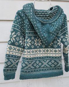 Norsk mønster - Snøhetta til barn- (ID Norsk mønster Snøhetta til barn ID 683889 Punto Fair Isle, Tejido Fair Isle, Baby Knitting Patterns, Knitting Yarn, Fair Isle Pullover, Knitting Basics, Beginner Knitting, Knitting Projects, Knit Basket