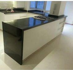 Granito negro san gabriel marmol y granito pinterest for Marmol negro brasil