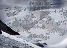 Il Réalise des Fresques Époustouflantes en Marchant dans la Neige