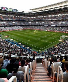 Today marks the 72 years of Santiago bernabeu 😍 Real Madrid Cr7, Real Madrid Basketball, Real Madrid Players, Soccer, Barcelona Football Stadium, Football Stadiums, Football Players, Ca Osasuna, Eden Hazard Chelsea