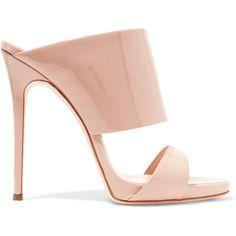 Giuseppe Zanotti Giuseppe Zanotti - Andrea Patent-leather Mules -... (€540) ❤ liked on Polyvore featuring shoes, heels stilettos, beige stilettos, polish shoes, beige patent shoes and stiletto heel shoes