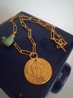 Collar ajustable con antigua moneda Bizantina chapado oro.   Etsy Ceramic Birds, Coins, Ceramics, Jewellery, Collar, Bracelets, Creative, Etsy, Handmade