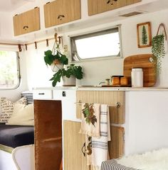 I m on the home stretch with the interior restoration of our early Coronet caravan Just need to&; I m on the home stretch with the interior restoration of our early Coronet caravan Just need to&; Caravan Vintage, Vintage Caravans, Vintage Campers, Vintage Travel, Caravan Decor, Camper Caravan, Diy Camper, Caravan Interiors, Caravan Ideas