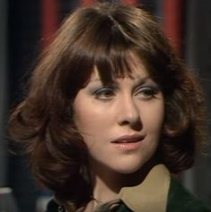 Actress Elisabeth Sladen forever immortalized as Sarah Jane Smith in Doctor Who. Sarah Jane Smith, Doctor Who Companions, Who Do You Love, Movie Club, First Doctor, Jenna Coleman, Dr Who, Architecture, Actresses