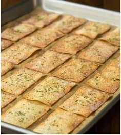 With just three ingredients and no mixing kneading or rolling these Ridiculously Easy Olive Oil Rosemary Crackers take 15 minutes from start to finish Slovak Recipes, Czech Recipes, Vegan Recipes, Cooking Recipes, Best Dinner Recipes, Summer Recipes, Food Platters, Food Dishes, Bread Dough Recipe
