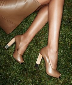 If only I wore high heels. Nude Heels, High Heels, Nude Wedges, Shoe Boots, Shoes Sandals, Expensive Shoes, Pumps, Walk This Way, Beige