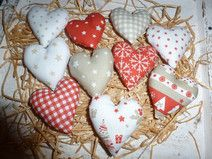 10 adventliche Herzen, ca. 6 cm groß