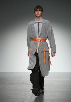 Tourne de Transmission London Fashion Week Men's Spring Summer 2018 - Sagaboi - Look 3