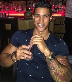 Guys with nice smiles Cute Black Guys, Gorgeous Black Men, Beautiful Boys, Cute Guys, Pretty Boys, Black Boys, Black Man, Beautiful Smile, Fine Black Men