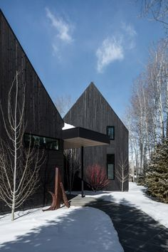 Studio B's V-Plan House in Aspen comprises black gabled forms Black Architecture, Architecture Art Design, Plan Studio, Home Studio, Aspen Colorado, Wooden Cladding, Gable House, Aspen House, Weathering Steel