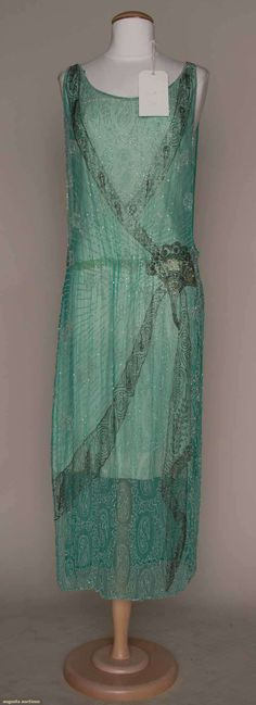 Mid 1920s tabard, turquoise silk with fan motif, augusta-auction.com