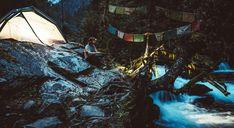 """In Tibet bedeutet NEKOR soviel wie Pilgerreise. Der 6.740 m hohe, bis heute unbestiegene, """"Kawa Kharpo"""" ist einer der acht heiligsten Berge in Tibet. Das ist die eindrucksvolle Geschichte einer Pilgerfahrt von vier Freunden am Fuße des Berges. #AlpCon #ACCT #BIKE #Nature #Pilgerreise #Naturpfad"""